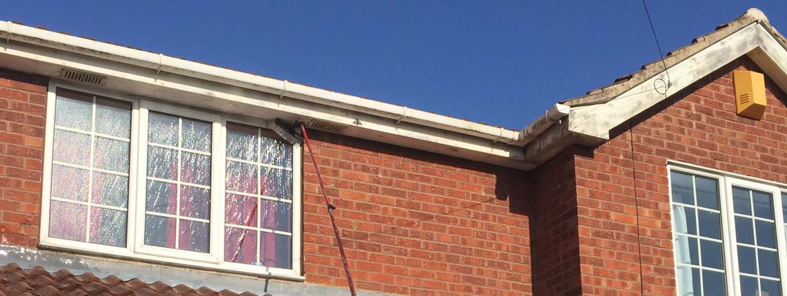 Window Cleaners In Leeds >> Ukwindowclean Com Providing Local Window Cleaning To The Leeds Area